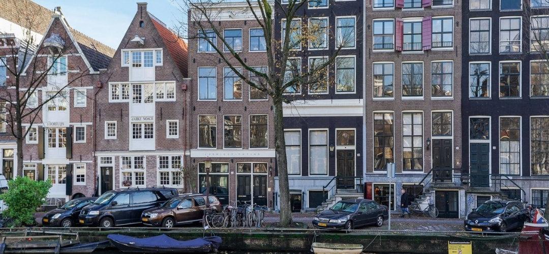 Grachtenpand - Herengracht Amsterdam - Voorzien van bakeliet schakelmateriaal